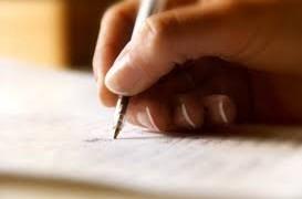 Nhà văn viết lách cả ngày