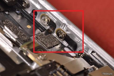 Anten được bắt thẳng vào vỏ máy của Iphone 5