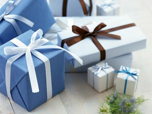Chọn quà tặng đẹp cho bạn gái