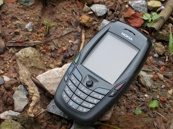 Điện thoại sáu béo Nokia 6600