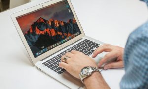 Thay ổ cứng, nâng cấp dung lượng cho Macbook air 2015, 2017 ?