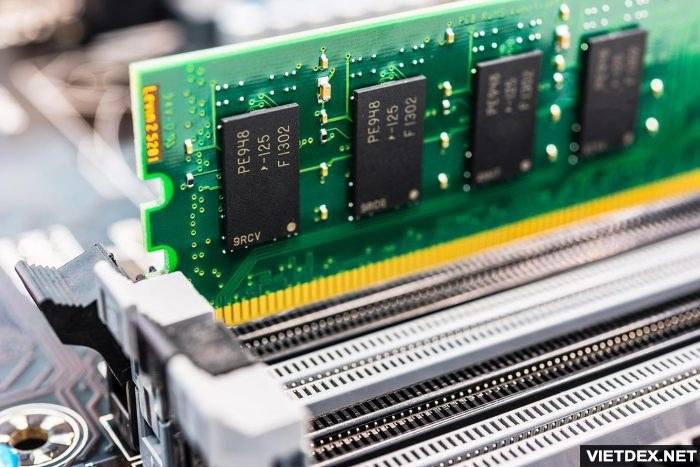 RAM trong khe của Main máy tính