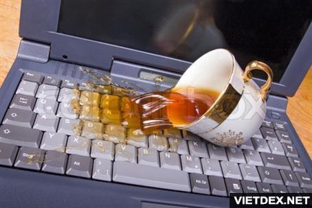 Ảnh: Laptop bị liệt bàn phím, nguyên nhân và cách trị